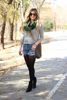 45 Outfit Ideas to Look Chic While Wearing Shorts in Winter Winter Leggings, Tights Outfit Winter, Winter Shorts, Sweaters And Leggings, Shorts With Tights, Sweater And Shorts, Dresses With Leggings, Denim Shorts, Black Tights