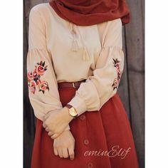 How naive was how elegant Nasıl. Bluzum size 60 liradır My skirt is s m l size 60 liram Shawl is cotton freshscarfs 40 uz Modest Fashion Hijab, Modern Hijab Fashion, Casual Hijab Outfit, Islamic Fashion, Hijab Chic, Abaya Fashion, Muslim Fashion, Modest Outfits, Fashion Outfits