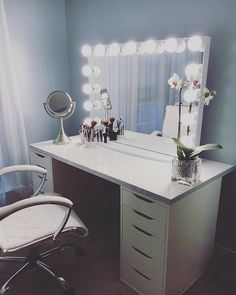 130 Adorable Makeup Table Inspirations