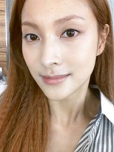 "KARA Park Kyuri, Thankful For Her Honey Skin ""Skin Health Of A Teenager"" http://www.kpopstarz.com/articles/105711/20140822/kara-kyuri-thankful-for-her-honey-skin-skin-health-of-a-teenager.htm"