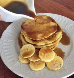 Panqueca Fit de Banana com Aveia Banana Fit Pancake with Oatmeal Related Post Gym humor…facts. Best Breakfast, Breakfast Recipes, Dessert Recipes, Banana Breakfast, Breakfast Pancakes, Vegan Recipes, Cooking Recipes, I Love Food, Food And Drink