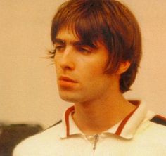 See Liam Gallagher pictures, photo shoots, and listen online to the latest music. Gene Gallagher, Lennon Gallagher, Liam Gallagher Oasis, Liam Oasis, Oasis Band, Liam And Noel, El Rock And Roll, Beady Eye, Britpop