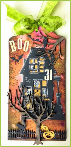 Donna's Little Crafty Corner - Who lives in a house like this.......