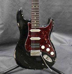 Suhr Classis Antique | 30jt Guitar Amp, Cool Guitar, Acoustic Guitar, Wallpaper Backgrounds, Guitars, Electric, Museum, Cool Stuff, Antiques
