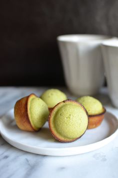 Matcha Financiers With Chocolate Filling 20 Delicious Bite-Size Desserts That Are Perfect For Entertaining Green Tea Dessert, Matcha Dessert, Matcha Cupcakes, Green Tea Recipes, Sweet Recipes, Cookie Recipes, Dessert Recipes, Delicious Desserts, Yummy Food