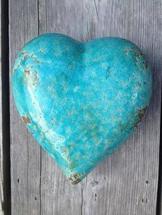 Turquoise is the ultimate anti-negativity stone. It dispels negative energy from your space while creating a stronger bond between your body & your energy field. Deco Turquoise, Pierre Turquoise, Shades Of Turquoise, Turquoise Color, Aqua Blue, Shades Of Blue, Turquoise Stone, Heart In Nature, Heart Art