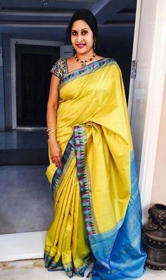 Real Hot Aunty Madhuri Atluri Indian Outfits, Indian Clothes, Simple Sarees, Saree Blouse Patterns, Handloom Saree, Rose Dress, Saree Styles, Saree Collection, Indian Sarees