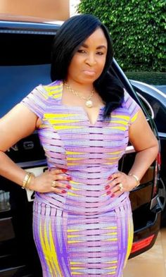 Dearest Lovebirds, What a way to style yourselves with Kente combined with Velvet? Have you seen people dress gorgeously with Kente and Velvet? Trust us, we know what makes you look cute. African Lace Dresses, African Dresses For Women, African Attire, African Wear, African Fashion Dresses, African Women, Fashion Outfits, Kente Styles, Africa Dress