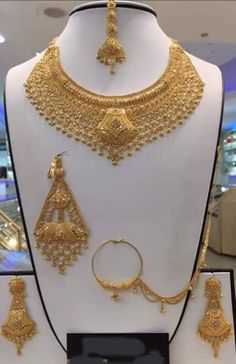 Buy Gold Jewelry Near Me Refferal: 7119581514 Real Gold Jewelry, Fancy Jewellery, Gold Jewelry Simple, Gold Wedding Jewelry, Gold Jewellery Design, Bridal Jewelry, Gold Earrings Designs, Schmuck Design, Gold Fashion