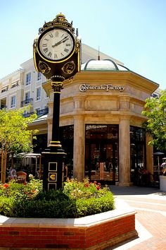 Glendale, California-ok for chains, but make them behave-structure must blend with rest of streetscape