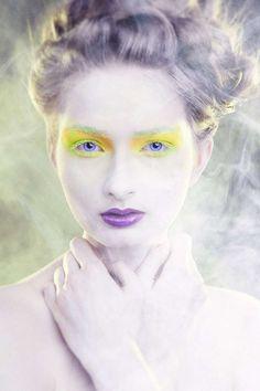 99 Avant-Garde Makeup Looks