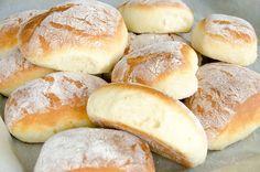 Baguette, Homemade Dinner Rolls, Bread Cake, Polish Recipes, Food Cakes, Bread Rolls, I Love Food, Hot Dog Buns, Food Inspiration
