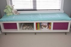 I love how this window seat has lots of storage space. For more kids storage… Kids Storage Baskets, Kids Storage Furniture, Kids Bedroom Storage, Baby Toy Storage, Dorm Storage, Cute Furniture, Diy Storage Bench, Hallway Storage, Ikea Storage