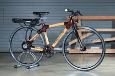 And here is a bamboo frame electric bike! Featuring the SRAM E-Matic system and Gates Carbon Drive belt. Find out more about this custom e-bike: http://electricbikereport.com/custom-electric-bikes-sram-e-matic-gates-belt-drive/