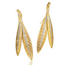 """""""Tiara"""" feather pendant earrings in yellow gold and platinum with diamond accents. Earrings suspended from French wires for pierced ears. Designed by Verdura. Feather Jewelry, Feather Earrings, Pendant Earrings, Leaf Jewelry, Quartz Jewelry, Gold Jewelry, Fine Jewelry, Diamond Tiara, Chanel"""