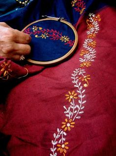 How To Make Simple Embroidery Designs inside Embroidery Near Me Louisville Ky that Embroidery Thread Near Me Kasuti Embroidery, Saree Embroidery Design, Simple Embroidery Designs, Floral Embroidery Patterns, Hand Embroidery Videos, Hand Work Embroidery, Embroidery Flowers Pattern, Hand Embroidery Stitches, Folk Embroidery