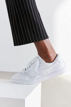 Slide View: 1: Nike Blazer Low LE Sneaker