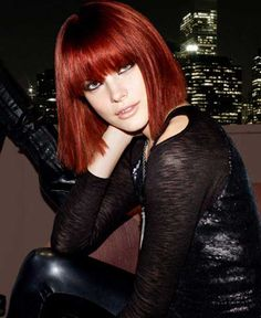 Vintage Hairstyles With Bangs Straight bang bob. - They look for some trendy hairstyles but they don't know whether they will suit them or not. So here are few haircuts for short straight hair. Bob Hairstyles 2018, Bob Hairstyles With Bangs, My Hairstyle, Short Hairstyles For Women, Trendy Hairstyles, Straight Hairstyles, Vintage Hairstyles, Bob Haircuts, Medium Haircuts