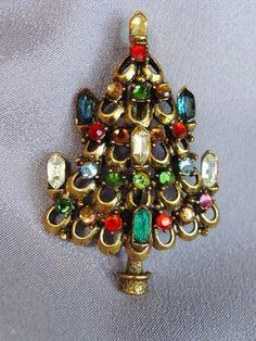 VINTAGE HOLLYCRAFT RHINESTONE CHRISTMAS TREE WITH CANDLES BROOCH/PIN.   eBay