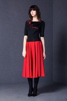 Удивительно эффектный комплект! Fall Winter, Autumn, Casual Fall, Business Casual, Midi Skirt, High Waisted Skirt, Clothes For Women, Skirts, Red