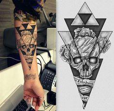 Tatoo - tatouage - tête de mort -avant bras -triangle