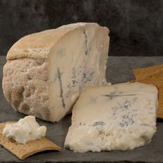Get delicious gourmet foods like this Gorgonzola Cremificato delivered right to your door. Fromage Cheese, Queso Cheese, Charcuterie, Fondue, Gorgonzola Sauce, Parmesan Chips, Italian Cheese, Artisan Cheese, Al Dente
