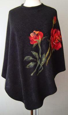Poncza różnią się materiałem z jakich zostały uszyte ale mają wspólny motyw czyli kwiaty.  1. Ponczu uszyte z czarnej dzianiny typu angora. ... Handmade Clothes, Diy Clothes, Clothes For Women, Knitting Patterns, Sewing Patterns, Chic Outfits, Fashion Outfits, Fabric Art, Wool Felt