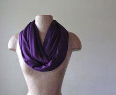Bufanda de BERENJENA Infinity  Purple Circle bufanda  por EcoShag
