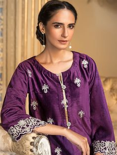 Khas Luxury Pret Formal Silk & Velvet Kurtis Collection 2020 contains embroidered winter formal shirts with organza duappatas and awesome stitching styles Latest Fashion Trends, Fashion Brands, Fancy Buttons, Creative Shirts, Purple Fabric, Formal Shirts, Off White Color, Festival Outfits, Comfortable Outfits