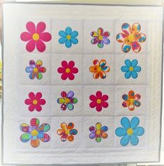 Flower quilt 4x4 5x7 6x10 7x12 8x8 in the hoop machine embroidery ITH – Sweet Pea Small Flowers, Pretty Flowers, Flower Quilts, Bed Runner, Craft Markets, Couture, Machine Quilting, Bag Making, Machine Embroidery Designs
