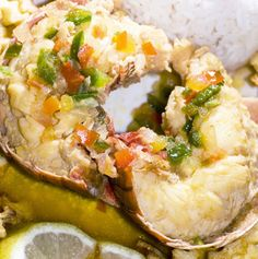 Steamed Lobster Tails with Paprika and Garlic Steamed Lobster, Lobster Dishes, Lobster Recipes, Seafood Dishes, Fish And Seafood, Seafood Recipes, Crawfish Recipes, Seafood Pasta, Bamboo Steamer Recipes