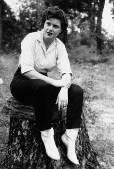 A Look Back at the Original Stars of Rockabilly: Patsy Cline, circa 1955