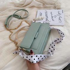 Cute Handbags, Purses And Handbags, Leather Handbags, Leather Wallets, Cheap Handbags, Leather Bags, Leather Chain, Pu Leather, Vintage Leather