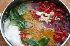 Le One pot pasta est à la mode. Voici plusieurs recettes et trucs pour réussir ces soupers rapides et simples!