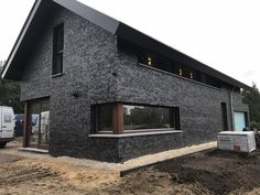 Modern Barn House, Modern House Design, Black House Exterior, Facade House, Architecture Design, Amazing Architecture, Exterior Design, Future House, Building A House