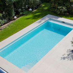Backyard Pool Landscaping, Small Backyard Pools, Piscina Rectangular, Moderne Pools, Espace Design, Mediterranean Homes, Outdoor Living, Outdoor Decor, Maine House