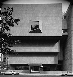 Marcel Breuer 1966 Whitney Museum of American Art (now The Met Breuer) - New York, NY New York Architecture, Museum Architecture, Classical Architecture, Architecture Details, Marcel Breuer, Whitney Museum, Museum Of Modern Art, Art Museum, Brutalist