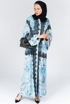 Modern Abaya and Kimono Online Modest Wear, Modest Outfits, Abaya Designs, Uk Fashion, Elegant Woman, Kimono Top, Fancy, Abayas, Stylish