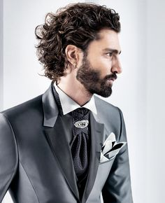 Walk-In-Welcome, for black tie formal and fine Italian wedding gowns needs. Designer Tuxedo, Italian Mens Fashion, Tuxedo Accessories, Black Tie Formal, Cravat Tie, Ascot Ties, Groom Tuxedo, Silhouette, Fitted Suit