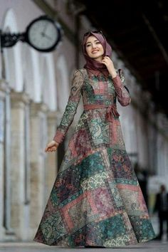 60 Hijab Looks with a chic and simple long dress to inspire you h Hijab Outfit, Hijab Dress Party, Hijab Style Dress, Dress Outfits, Eid Outfits, Abaya Fashion, Moda Fashion, Fashion Wear, Fashion Dresses