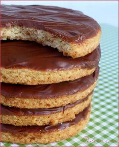 Biscuits Granola maison – Perle en sucre – Famous Last Words Sugar Cookies Recipe, Cookie Recipes, Snack Recipes, Dessert Recipes, Snacks, Baking Recipes, Homemade Cookies, Baking Desserts, Granola Biscuit