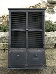 Schrank Hängeschrank Wandschrank Industrielook Metall Shabby Antik Stil H 61cm in Möbel & Wohnen, Möbel, Schränke & Wandschränke | eBay