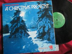 A Christmas Present  Ronco ‎– P 11772 VARIOUS Gatefold pop up Slve Vinyl Album