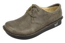 Bree Stonewall Shoe