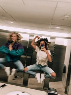 b and k a a n n e - Bff Pictures Photos Bff, Best Friend Photos, Best Friend Goals, Cute Photos, Bff Pics, Crazy Photos, Flipagram Instagram, Cute Friend Pictures, Cute Bestfriend Pictures