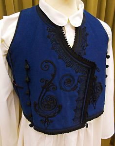 Embroidered sleeveless man's vest from Greece. (This is a recent workshop-made copy). Greek Traditional Dress, Traditional Outfits, Big Size Dress, Christian Bale, Mille, Caftans, Well Dressed Men, Embroidery Dress, Albania
