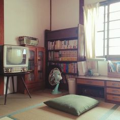 Interior Architecture, Interior And Exterior, Interior Design, Room Inspiration, Interior Inspiration, Japanese Apartment, Retro Room, Minimalist Apartment, Aesthetic Rooms