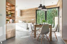 Wyposażona w winiarke - zdjęcie od Jarosław Werner Kitchen Interior, Kitchen Design, Kitchen Reno, Kitchen Modern, Building A House, Living Room Decor, Dining Table, Studio, Furniture