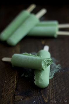 Green Tea Coconut Popsicles | Highly Recommended with Califia Farms Toasted Coconut Almondmilk!