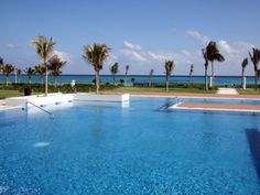 Another Playa del Carmen info page.